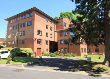Windsor Court, Westbury Lodge Close, Pinner HA5. 2 bed flat