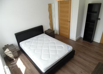 Thumbnail 4 bed flat to rent in Manchester Road (Available September 2018), Docklands