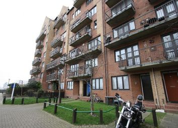 2 bed maisonette to rent in Rembrandt Close, Amsterdam Road, Isle Of Dogs, London E14