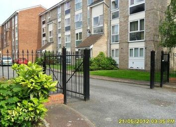Thumbnail 2 bed flat to rent in Aylesbury Close, London