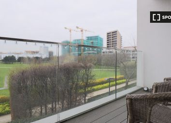 2 bed property to rent in Booth Road, London E16
