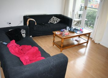 Fishguard Way, Docklands, London E16. 3 bed flat