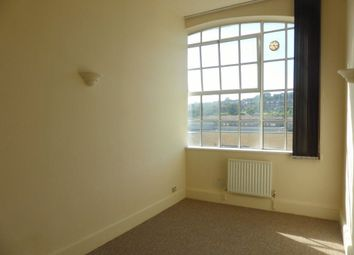 Thumbnail 1 bed flat to rent in Coombe Road, Brighton