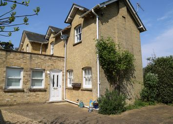 Thumbnail 2 bed barn conversion to rent in Marine View Close, Cowes