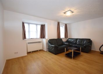 1 bed flat to rent in Woodvale Way, Cricklewood, London NW11