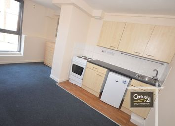 2 bed flat to rent in |Ref: F12Med|, Southampton Street SO15