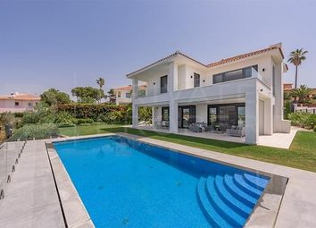 Thumbnail 4 bed villa for sale in Marbella, Málaga, Spain