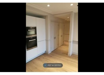 Thumbnail 1 bed flat to rent in Queens Wharf, London