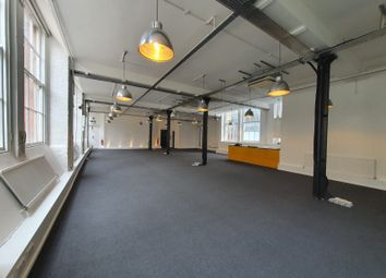 Office to let in London EC2A