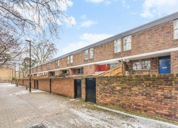 4 bed property to rent in Scarba Walk, London N1