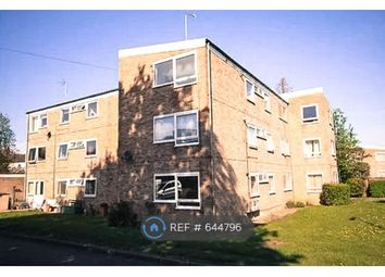 Thumbnail 2 bed flat to rent in Bowling Close, Harpenden