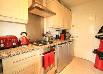 Thumbnail 2 bed flat to rent in Grosvenor Road, London