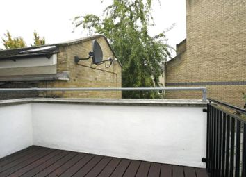 Thumbnail 2 bed flat to rent in Leman Street, Aldgate, London