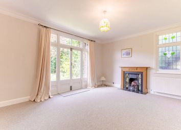 Thumbnail 2 bed flat to rent in Lower Flat, Avenue Road, Southgate