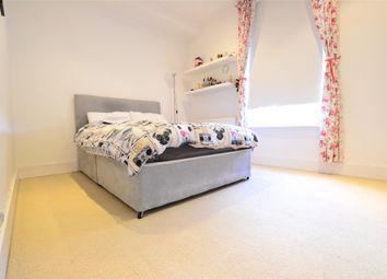 Thumbnail 1 bed flat to rent in 2nd Floor Flat Upper Grosvenor Road, Tunbridge Wells