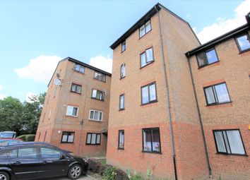 Thumbnail Flat for sale in Streamside Close, London