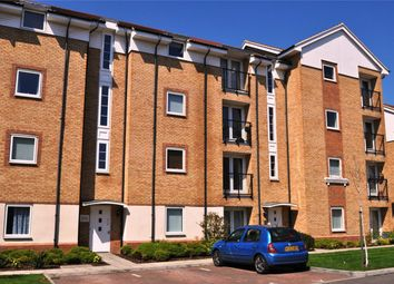 Thumbnail 2 bed flat for sale in Chequers Field, Welwyn Garden City, Hertfordshire