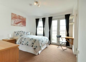 Thumbnail Room to rent in (House Share) Olliffe Street, Canary Wharf, London