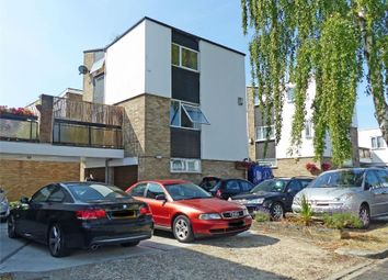 Thumbnail 2 bedroom town house for sale in Kempton Walk, Shirley, Croydon