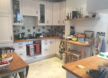 Thumbnail 2 bed flat to rent in Powerscroft Road, Hackney