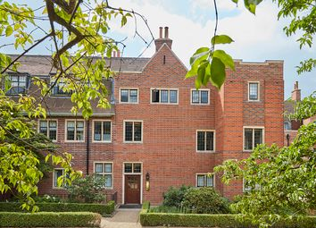 Thumbnail 2 bed flat for sale in Kings Drive, Midhurst