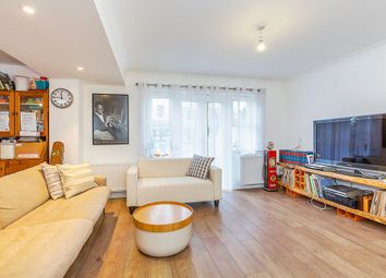 Thumbnail 4 bed flat to rent in Serbergham Grove, Mill Hill