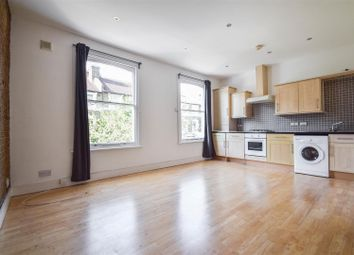 Reighton Road, London E5. 2 bed flat
