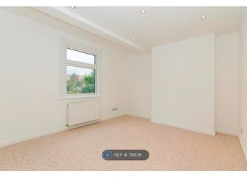 3 bed maisonette to rent in Links Road, London SW17