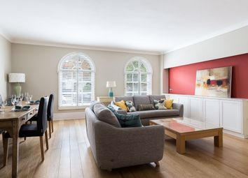 Thumbnail 2 bed flat to rent in Cliveden Place, London