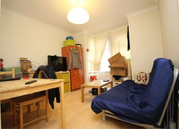Thumbnail 2 bed flat to rent in Mansfield Road, London