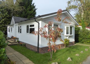 Thumbnail 2 bed mobile/park home for sale in Fangrove Park, Lyne Lane, Chertsey, Surrey