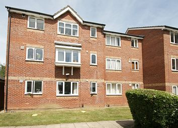 1 bed flat to rent in Leigh Hunt Drive, Southgate N14