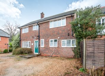 Thumbnail 4 bed detached house to rent in Crookham Road, Fleet