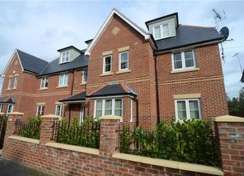 Thumbnail 1 bed flat for sale in Somerset Road, Farnborough, Hampshire