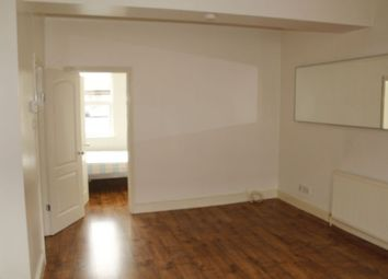 Thumbnail 2 bed flat to rent in Cheapside, Wood Green