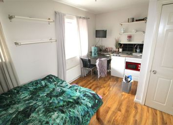 Thumbnail Room to rent in (House Share) Barnfield Place, Canary Wharf, London