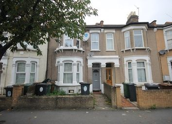 Thumbnail 1 bed flat to rent in Claude Road, London