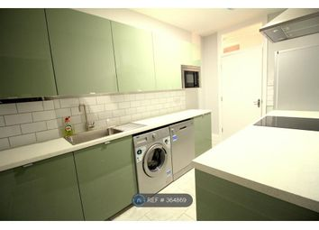 Thumbnail 4 bed flat to rent in Fountain Road, London