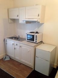 Thumbnail 2 bed flat to rent in Windsor Road, Doncaster