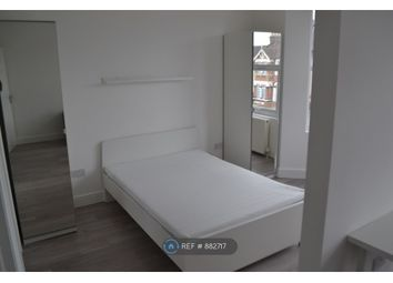Mayfair Avenue, Ilford IG1. 1 bed flat