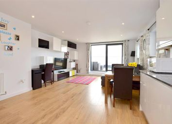 2 bed flat for sale in Station Close, Horsham, West Sussex RH13