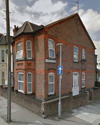 Thumbnail Room to rent in Lyndhurst Road, Luton