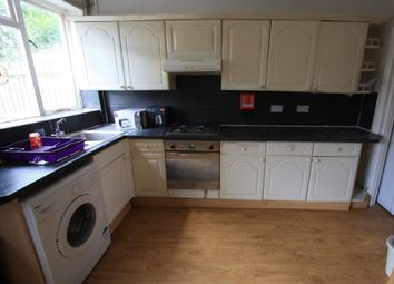 Thumbnail 5 bed flat to rent in Heythorp St, Southfields