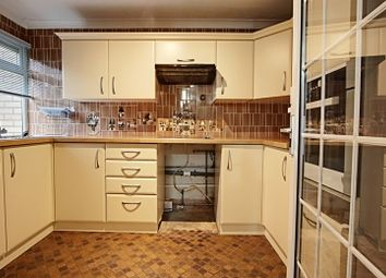 Thumbnail 2 bed property to rent in Winchester Close, Enfield