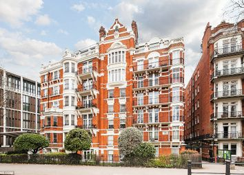 Thumbnail 6 bed flat to rent in Wellington Court, Knightsbridge