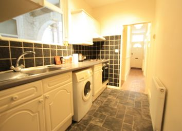 Thumbnail 2 bed flat to rent in Brighton Road, Croydon