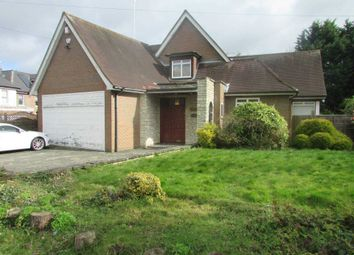 Barham Avenue, Borehamwood WD6. 4 bed detached house to rent