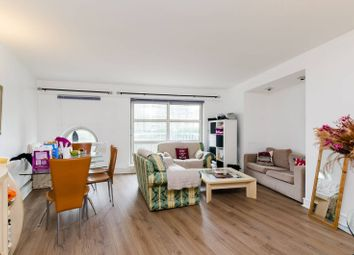 Thumbnail 2 bed flat for sale in Cascades Tower, Canary Wharf