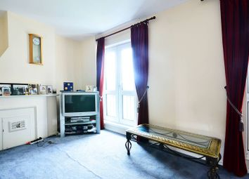 Thumbnail 2 bed flat for sale in Gale Street, Bow