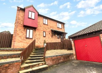 4 bed detached house for sale in Thrush Close, Chatham, Kent ME5
